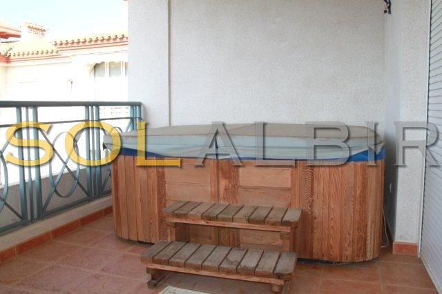 Jacuzzi in the balcony