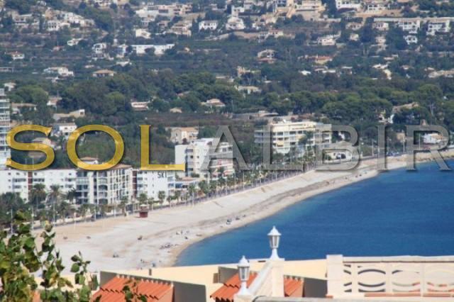 View to the beach of Albir