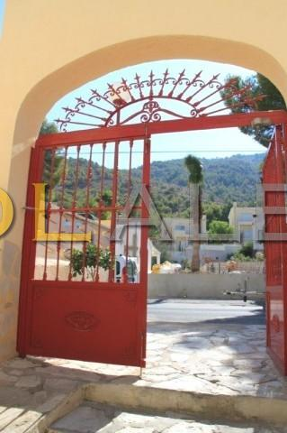 The main entrance to this community