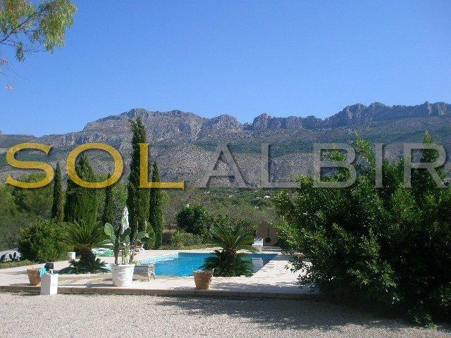 Private pool in beautiful surroundings