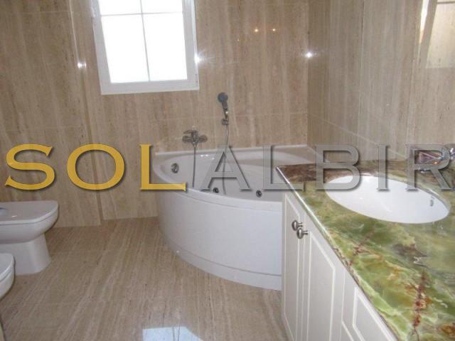 En suite bathroom all in Marble