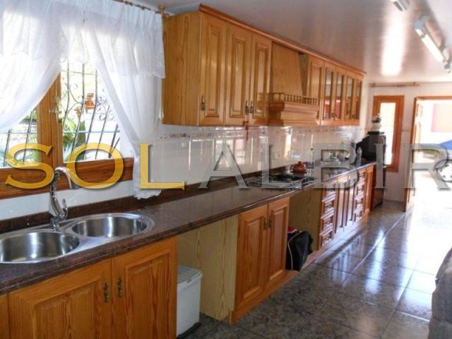 Big kitchen 1