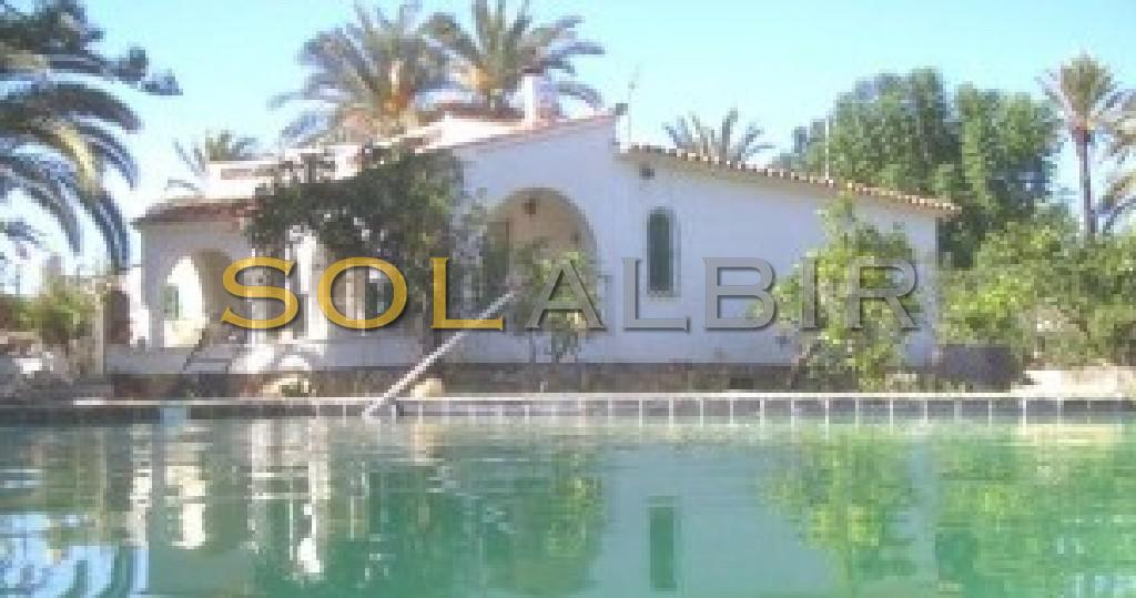 Nice facade and pool