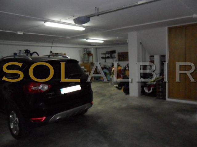 Ample garage