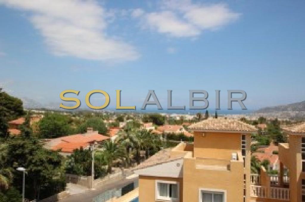 Sea views from the solariwm