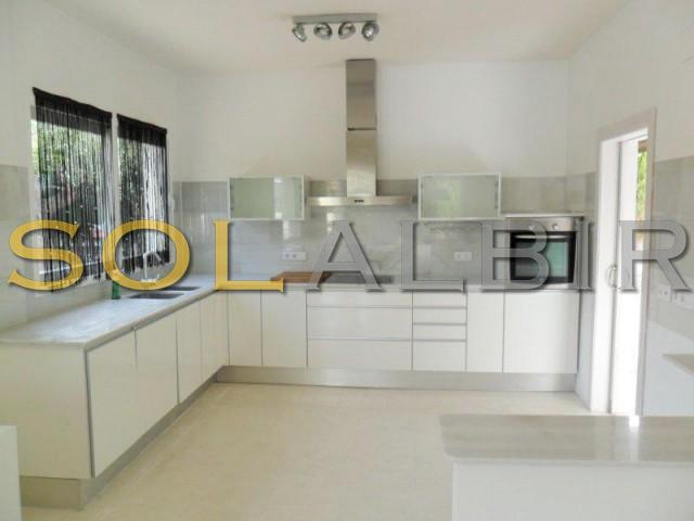 Modern kitchen with access to the garden