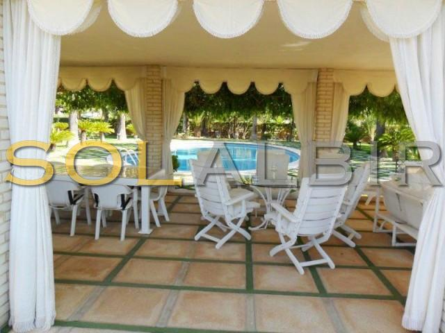 Covered terrace on the pool area