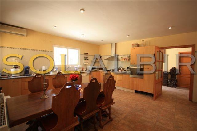 kitchen villa 2