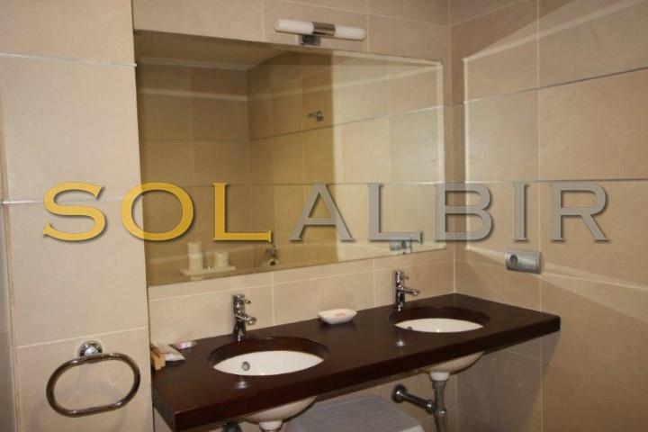Bathroom (apartment)