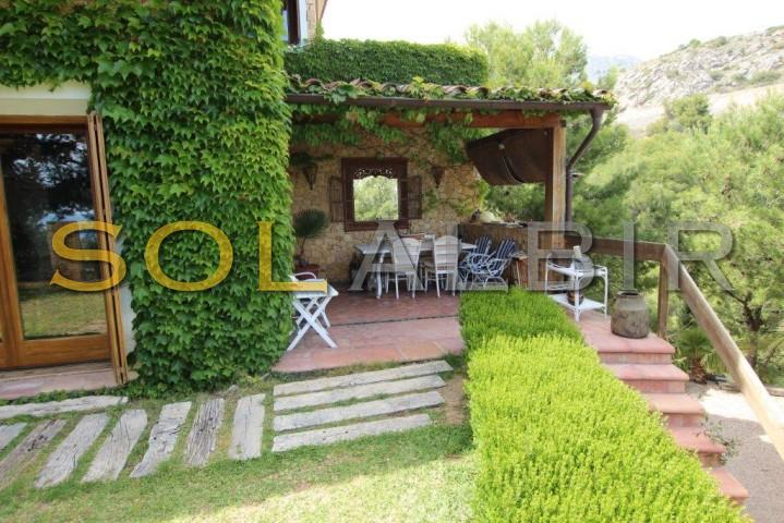 terrace next to diningroom