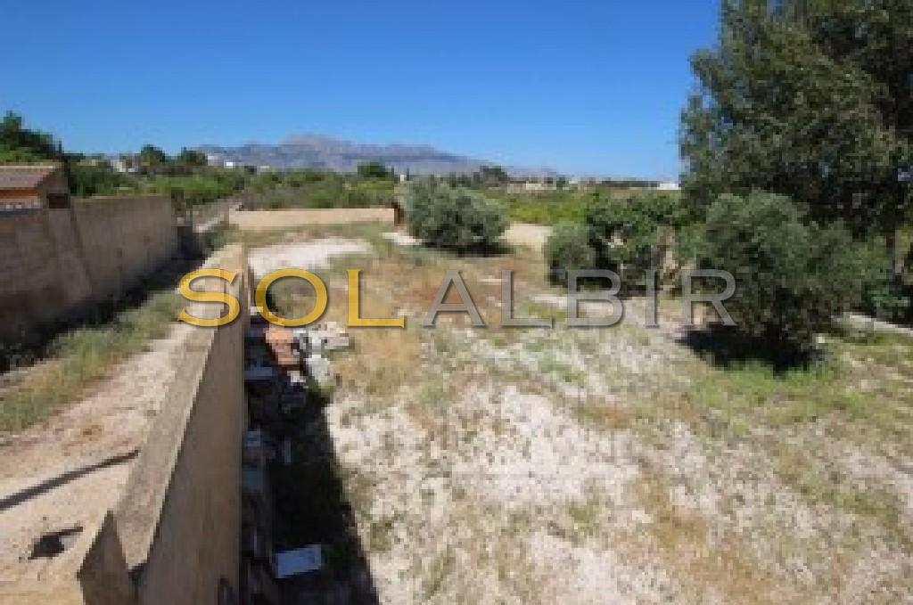 Large plot with mountain views