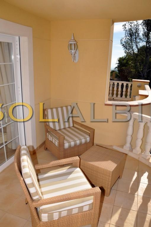 The balcony (M.h)