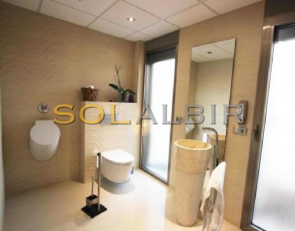 Bathroom VI