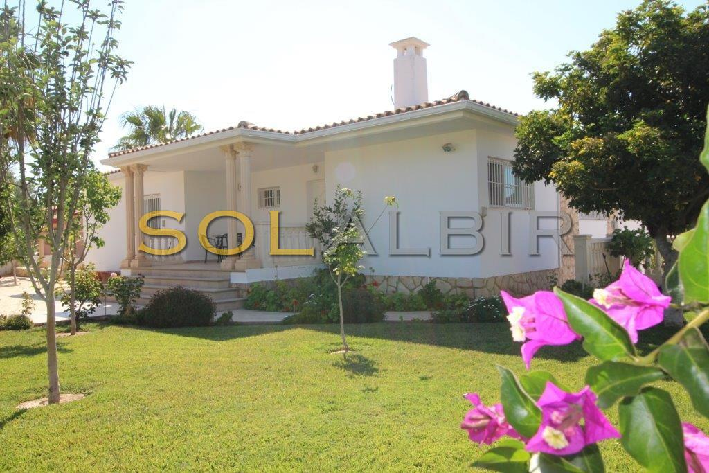 Beautiful villa and big plot