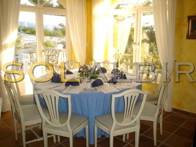 The yellow dining room
