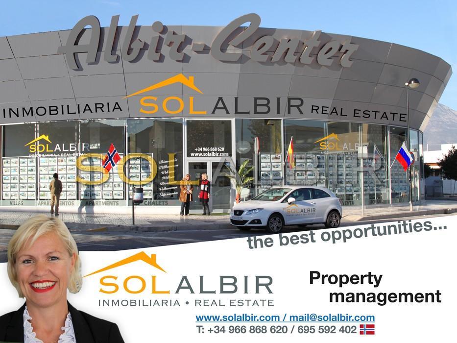 The SOLALBIR office beside Mercadona in Albir
