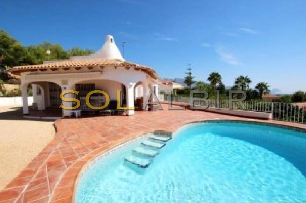 Fantastic villa with pool