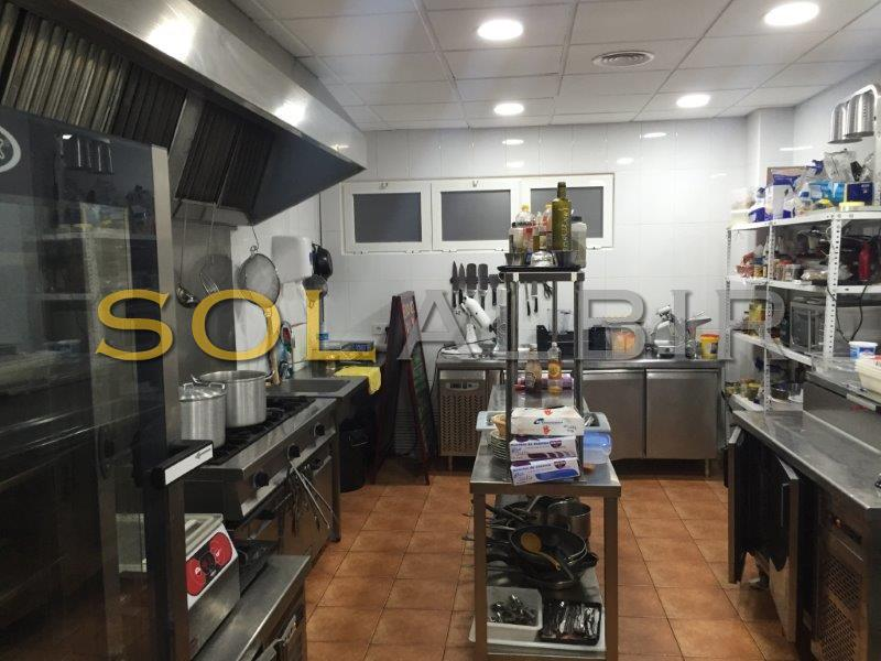 Big fully equipped kitchen