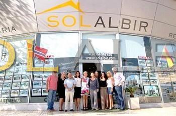The Albir team beside of Mercadona in Albir