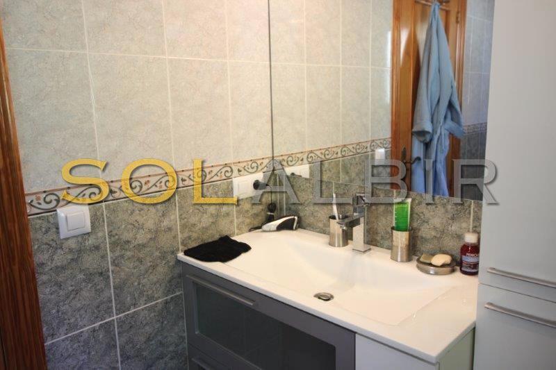 Masterbathroom (2)