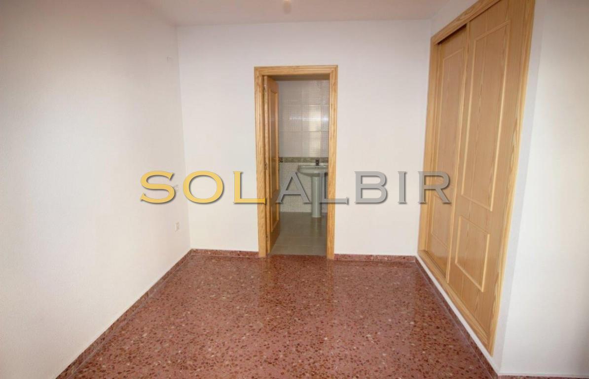 Access to the bathroom en-suite