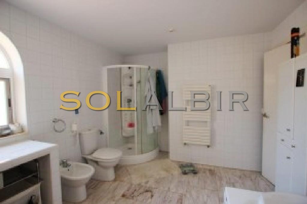Bathroom I other side