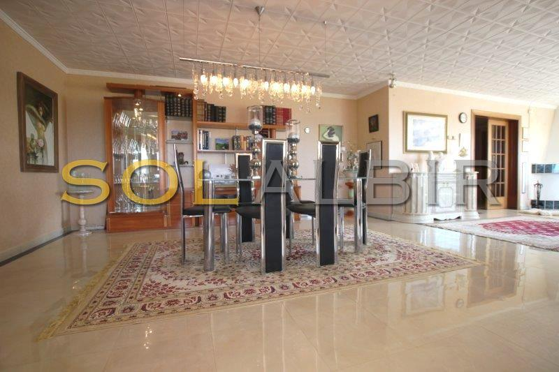 The dining area in the inner livingroom