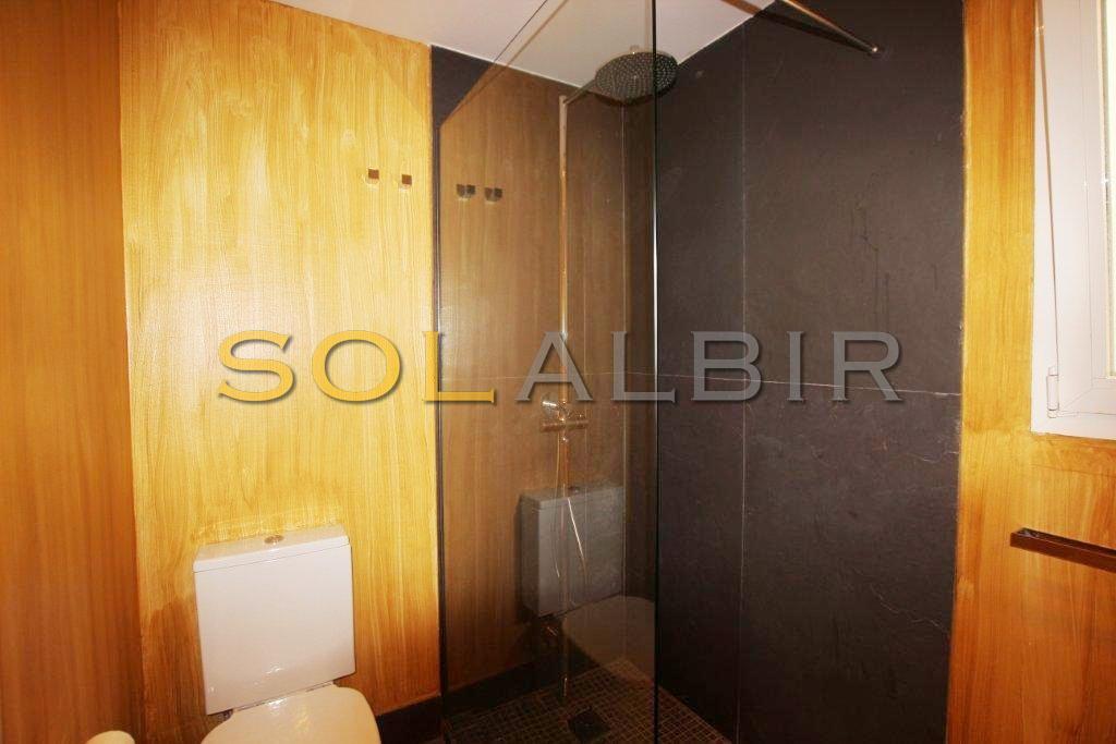 Bathroom II shower