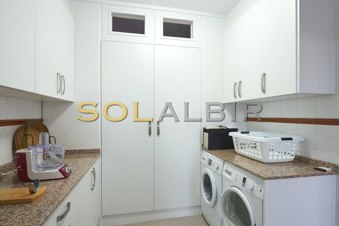 Practical laundry room- kitchenette