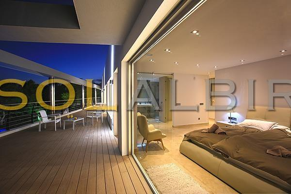 The master bedroom with access to the big terrace
