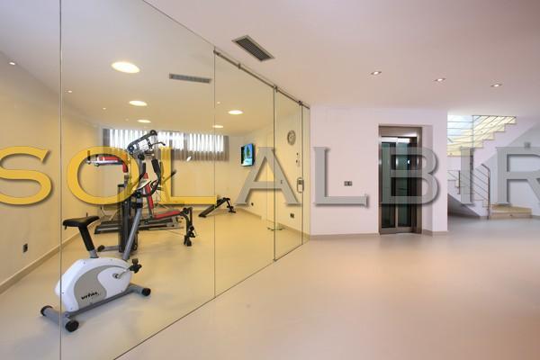 gym intrance