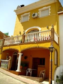 5 Bedroom Townhouse in Cuevas de San Marcos