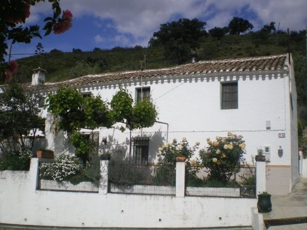 3 Bedroom Country House in Almedinilla