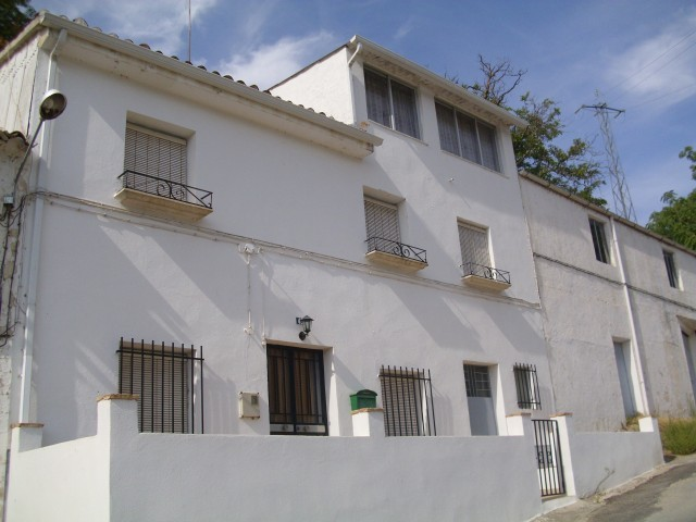 3 Bedroom Village house in Castillo de Locubin