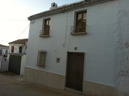 3 Bedroom Village house in Almedinilla