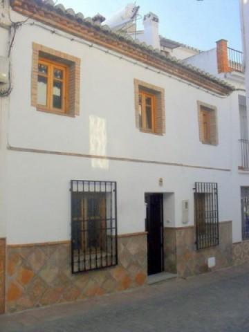 5 Bedroom Village house in Periana