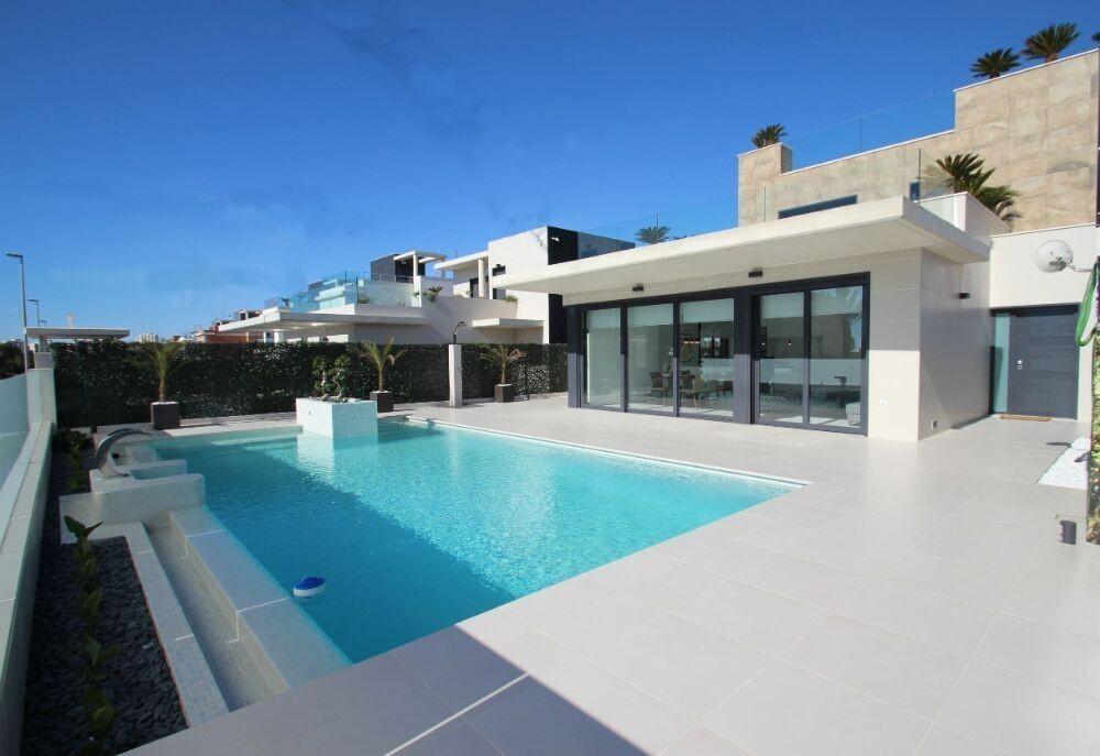 Ref:cbpnb092 Villa For Sale in San Miguel